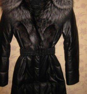 Стильное кожаное пальто