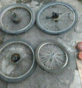 Колеса на велосипед и мопед