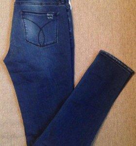 Новые джинсы Calvin Klein 28/32 рр