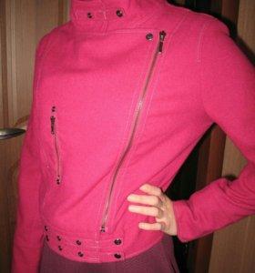 Курточка на девушку р 42-44