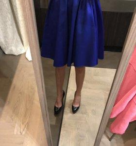 Пышная синяя юбка
