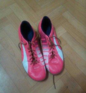 Футбольные кроссовки Puma