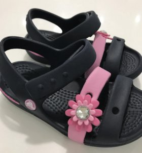 Crocs сандалии новые