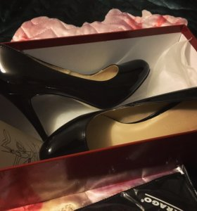 Новые туфли лодочки Mascotte 35