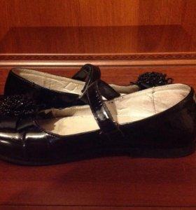 Туфли для девочки.р.35