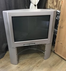 Телевизор Sony вместе с подставкой
