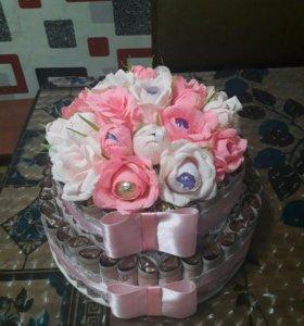 Денежный тортик с конфетами