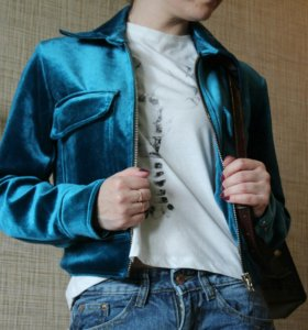 Новая женская велюровая куртка S,М
