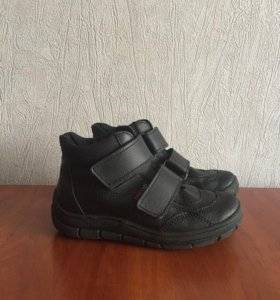 Ботинки на мальчика р. 31 ( весна- осень )