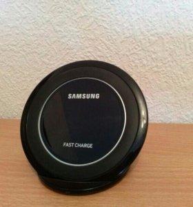 Беспроводное зарядное устройство Samsung +6 чехлов