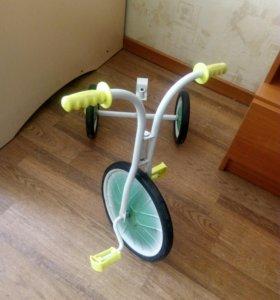 Трехколесный велосипед без седла
