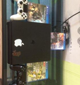 PS4 slim на 500гб + 2 джойстика + аккаунт с играми