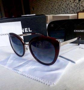 Солнцезащитные очки Chanel