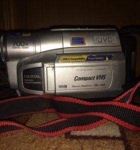 Видеокамера+зарядное устройство к ней