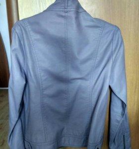 Кожаная куртка.Размер 42-44.