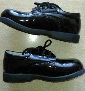 Лаковые ботинки, р.25