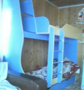 Продам двухьяросную кровать