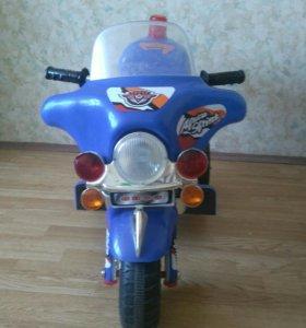Мотоцикл для детей(на аккумуляторе)