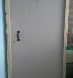 Двери с коробкой деревянные
