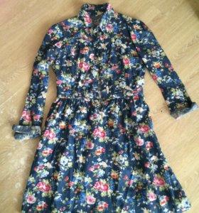 Красивое хлопковое платье в цветочном принте