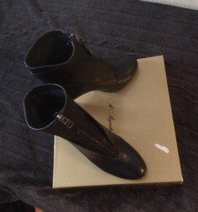 Ботинки на каблуках 👢