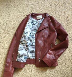 Куртка кожзам новая 42-44