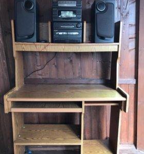 Продам стол раздвижной для занятий и магнитофон.