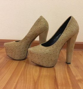 Бежевые туфли, р-р 38