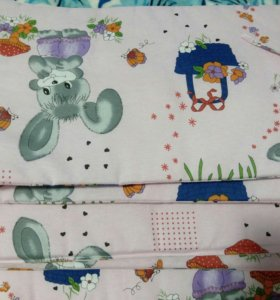 Бортики и комплект постельного белья в кроватку