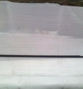 Молдинг стекла передней правой двери Мазда 3BL
