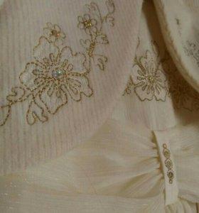 Платье золотисто-бежевое с накидкой
