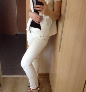 Брюки и пиджак (Gloria Jeans)выпускной