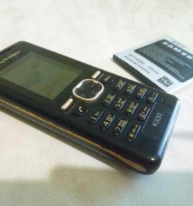 Телефон, батарейка, 7 зарядок, и 2е наушников