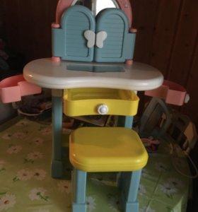 Детский туалетный столик +стульчик
