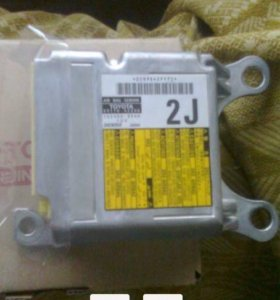 Блок подушек безопасности (SRS) toyota RAV 4