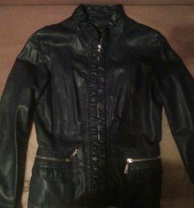 2 куртки кожзаменитель