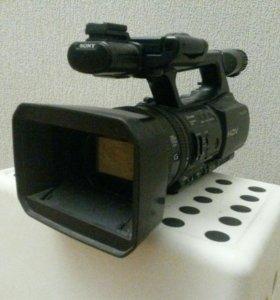Профессиональная HD в/камера Sony HDR-FX1000E