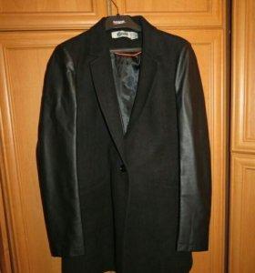 Женское пальто Stradivarius