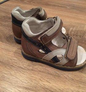 Детские сандали 20 размер Perlina