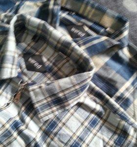 Рубашки и брюки новое.