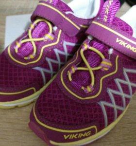 Кроссовки viking новые