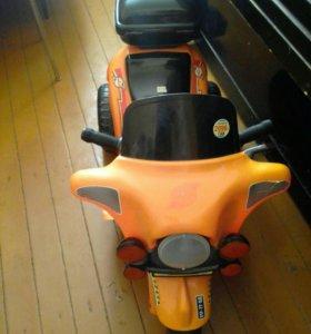 Детский мотоцикл на акаммуляторе