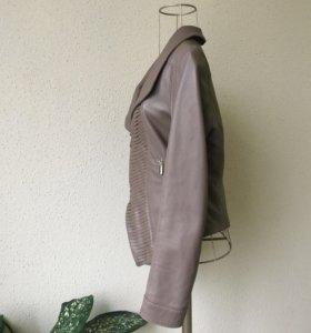 Кожаная куртка AnnaRita N