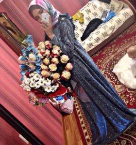 Платье блестящее , с синим переливом