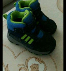 Ботиночки adidas +кроссовки +макасины