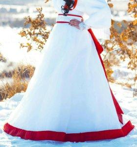 Платье свадебное( в подарок митенки и шубка)