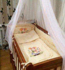 Детская кроватка со всеми принадлежностями