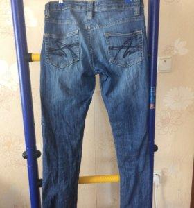 Продам джинсы б/у