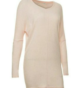 Нежно-розовый свитер-туника