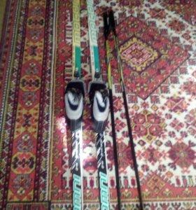 Лыжи, палки ,ботинки